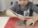Grup 6 8 ani Modelaj Lut Bal mascat Eric 130x98 Atelier modelaj