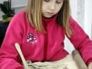 Grup 6 8 ani Modelaj Lut Medalion Frunza Ioana. 130x98 Atelier modelaj
