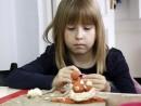 Grup 6 8 ani Modelaj Pasta Ceramica Suport de Oua Ioana. 130x98 Atelier modelaj