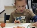 Grup 8 10 ani Modelaj Pasta Ceramica Rama cu Frunze Razvan. 130x98 Atelier modelaj
