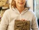 Grup 8 10 ani Modelaj in lut Frunza cu strugure Anastasia 130x98 Atelier modelaj