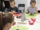 Grup 8 10 ani modelaj lut Arici Dinozaur Alexia Razvan 130x98 Atelier modelaj