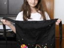 Atelier Design Vestimentar Broderie Briosa pe sort Antonia 130x98 Atelier design vestimentar, Copii 8 18 ani