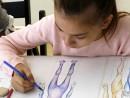 Design Vestimentar Studiul corpului uman Creioane colorate Femeie Alexia1 130x98 Atelier design vestimentar, Copii 8 18 ani
