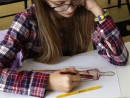 Design Vestimentar Studiul corpului uman Creioane colorate Femeie Bianca 130x98 Atelier design vestimentar, Copii 8 18 ani