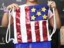 Scoala de Vara Atelier Design Vestimentar Cusut si decorat Rucsac Steagul SUA Theea 130x98 Scoala de Vara, 2018 – Galerie Foto